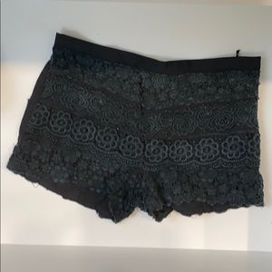 Pants - Bootie fabric lace shorts
